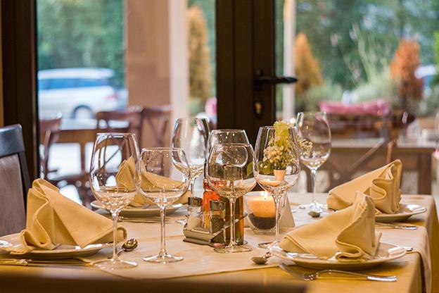 Nagłośnienie restauracji w technologii 100V